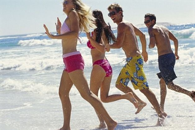 Sport-estivi-da-fare-in-spiaggia-per-dimagrire