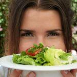 Dieta ipocalorica uomo e donna: cosa significa, benefici e menù settimanale di esempio