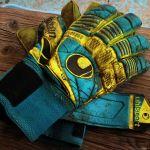 Quali sono i migliori guanti da portiere professionali e non? Taglie, stecche, prezzi e opinioni