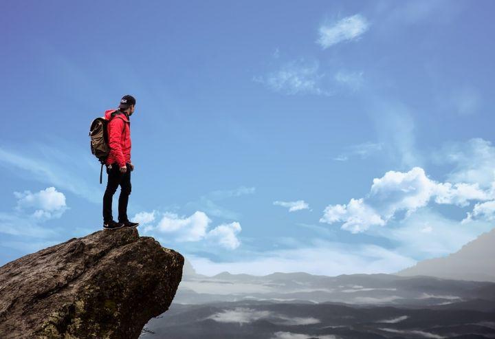 Giacca a vento uomo, donna e bambino: come si usa, quanto costa e come scegliere la migliore